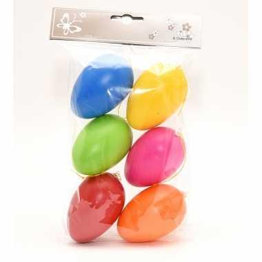 18x stuks paaseieren hangdecoratie pasen thema vrolijke kleurenmix 8 cm