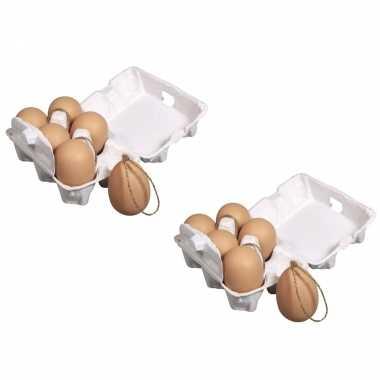 18x stuks plastic bruine paas eieren met hangers 6 cm
