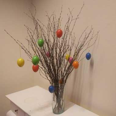 Pasen decoratie takken 15 stuks met eieren en vaas